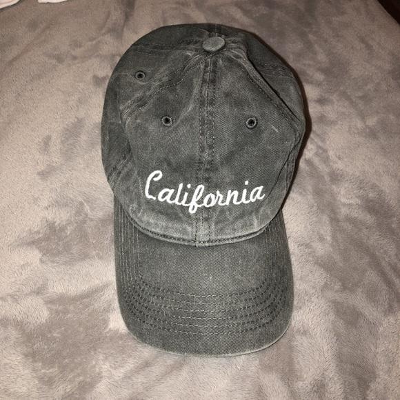 55a065a6 Brandy Melville Accessories | Hat | Poshmark